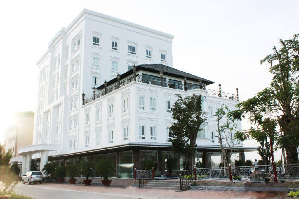 Khách sạn NESTA